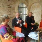 Présentation en cours des #AccrocheCoeurs avec @AlainFouquet49 #Angers http://t.co/zTLq3GltYJ