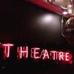 #neonsign at @oldfitztheatre, its THE ALIENS tonight #art #kingscross #sydney #theatre http://t.co/f40JXfno0J