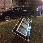 Сбитый накануне ночью светофор на улице Гончарова восстановят сегодня к вечеру http://t.co/bZJfWf7SOi