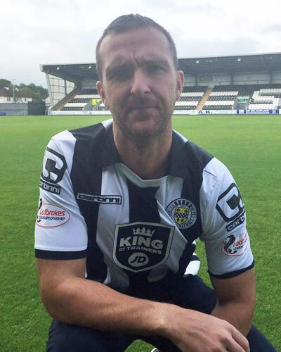 Andy Webster unveiled at @saintmirrenfc this morning after joining the club #ViolaFC http://t.co/5YBDBr4jgr