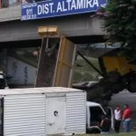 Camión atascado en el distribuidor Altamira (Fotos) http://t.co/cKLpXW5xza http://t.co/vHcbBDijgJ