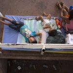 Crisis humanitaria: los niños, entre los más afectados por deportación masiva de colombianos http://t.co/yqNEZK7rZ3 http://t.co/oBCjHmrI4g