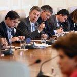 #LOÚLTIMO: @JuanManSantos: La prioridad es atender a colombianos afectados por emergencia http://t.co/2M4roD9EAD http://t.co/IuYtPWRmnq