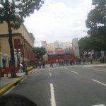 #Ahora [1:30 pm] Ésta es la distancia entre marchistas y tarima desde la que hablará el presidente Nicolás Maduro. http://t.co/ojaDAT03cM