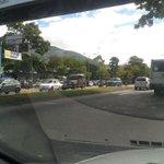 via @rubenchodel: Continúan las colas... Ahora por papel higiénico. #MaduroVictoriaEnLaFrontera http://t.co/LoBuS4TasW #Merida
