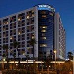 #Vegas for $79/night at @renhotels #renaissanceLV JUMP ON THIS DEAL NOW!!  http://t.co/Upn17j4ljF http://t.co/VCWMwFd12L