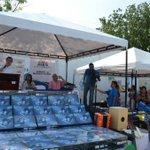 2.050 estudiantes de la IED El Pando, reciben de manos del Alcalde dotación de tabletas #EducaciónDeAltaCalidad http://t.co/vA9skcY6IA