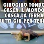 Lisa Fusco che fa cose livello farcela mai http://t.co/6iQVKnGzws