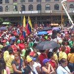 Banderas de Ecuador y Venezuela presentes en movilización popular en apoyo @NicolasMaduro y defensa de la frontera http://t.co/XWA5erNSQB