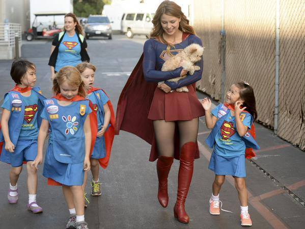 These images of @MelissaBenoist as Supergirl make me smile like no body's business. http://t.co/wkRZgCYiHQ
