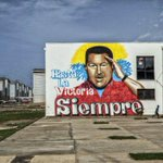 Cómo Chávez arruinó la economía más rica de América Latina http://t.co/ruEE02ZKSj http://t.co/EsMD8wNFDy
