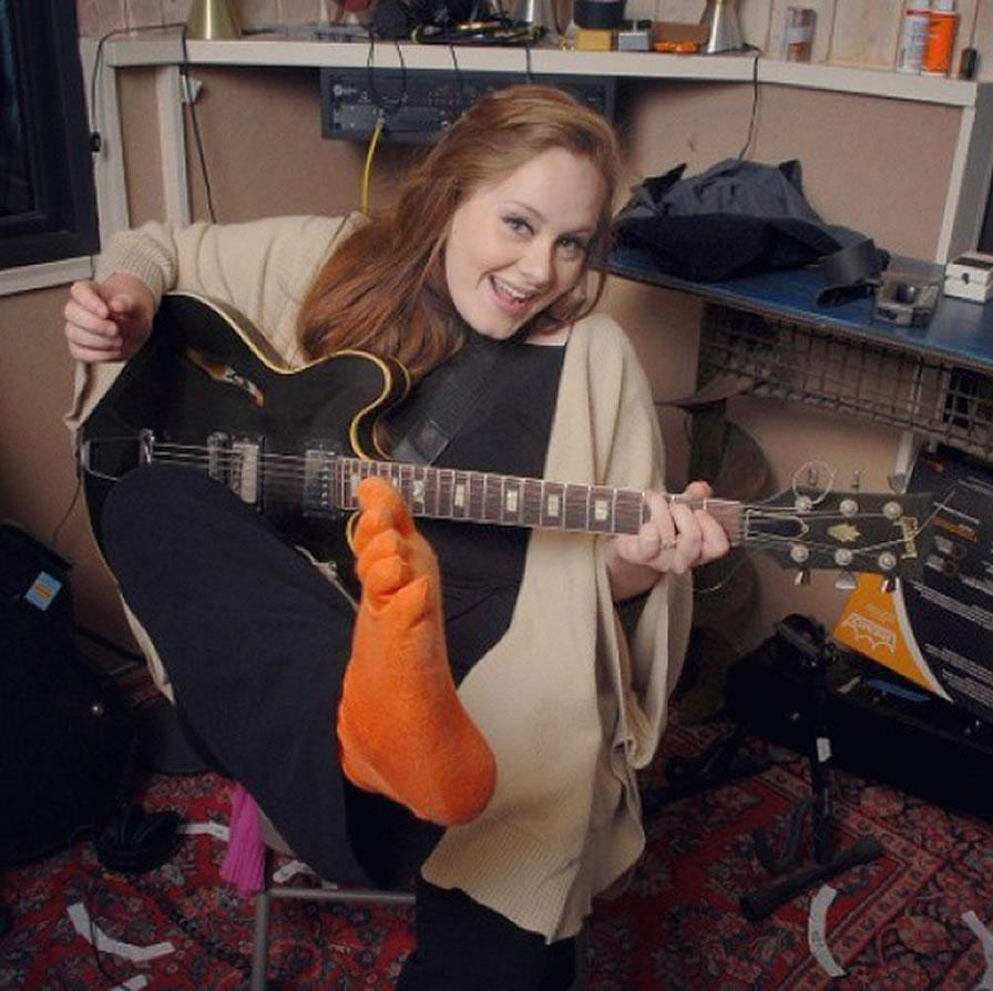 """#Adele, con 68 kilos menos: """"Decidí cambiar mi cuerpo estrictamente por cuestiones de salud"""". http://t.co/NQeQzBiAGO http://t.co/tYGuFOeCMs"""
