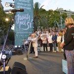 """Montserrat Carulla recita """"Assumiràs la veu dun poble"""" de Vicent Andrés Estellés. Pell de gallina! http://t.co/pTtUZ3uxhH"""