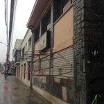 @vamoschillan Peligrosa estructura metálica en calle 5 de Abril altura 535 costado de la Casa del Deporte en #Chillán http://t.co/rWwsTTijtF