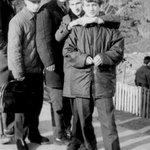 """Знакомьтесь. Второй слева - ваш император, крайний справа - владелец всех российских дорог, труб и """"Шереметьево"""". http://t.co/x9jnZmZNvo"""