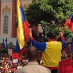 #Ampliación Maduro anuncia nuevos cierres fronterizos con Colombia y envía 3.000 militares http://t.co/SghkdtTLK4 http://t.co/pAWpzPnB8y