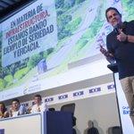 Exponemos plan de Infraestructura,Vivienda y Agua del Gob @JuanManSantos. La construcción es soporte fundamental! http://t.co/kqcgXxBPk1