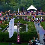Beautiful setting for our silent disco tonight: @SnugHarborCCBG in Staten Island. #LCLocal http://t.co/OQ7UMYqO1n