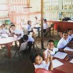 ¿Y el dinero para las escuelas? ¿Y la reforma? En la sierra de Sinaloa así reciben clases con 40º C, dice Alejandra * http://t.co/wC4e9Jqhyz