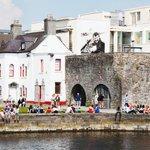 Worlds Friendliest City voted by New York Magazine @TravelLeisure is.....#Galway http://t.co/Nb2YJzdKo4 #Winning http://t.co/kZS2UT8lfb