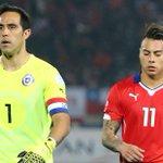 Claudio Bravo y Eduardo Vargas fueron liberados para el amistoso de la Roja ante Paraguay http://t.co/rdKAGkrKmd http://t.co/qWQVtwS2Gc