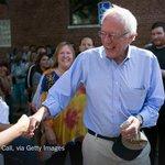 The small donors to @BernieSanders are a refreshing break from egregious money bundlers. http://t.co/SnBBGUjXzo http://t.co/aRTFPN9WIR