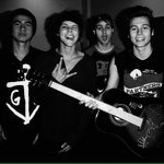 RT AND REPLY WITH #ShesKindaHotVMA & RT THE REPLIES! http://t.co/xKWKw215Ya