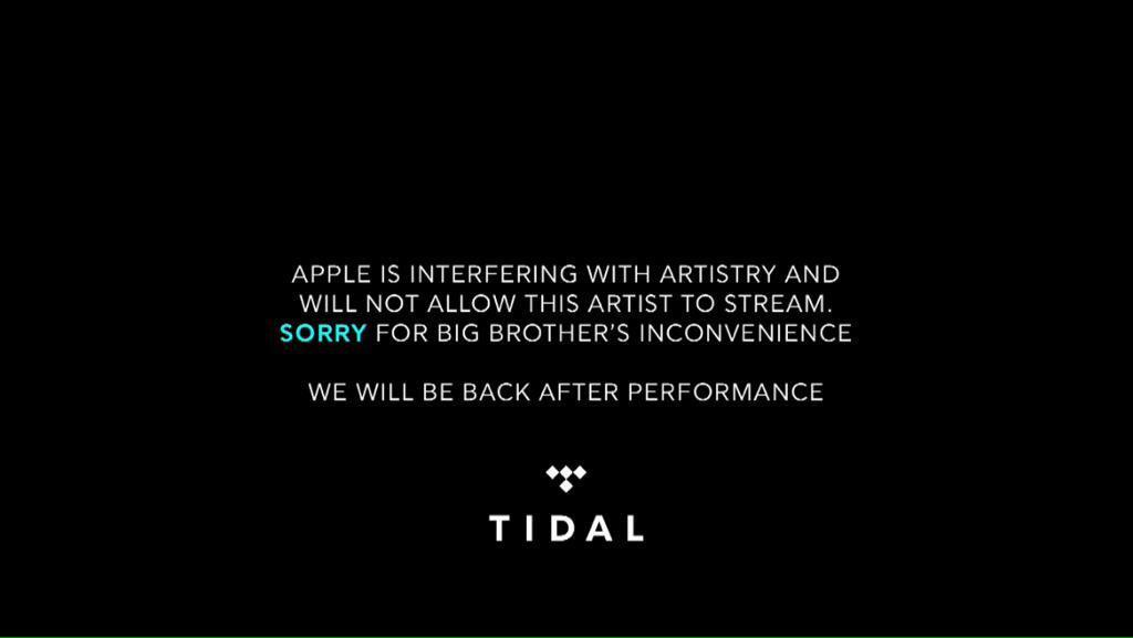 Apple so weak for this  #LilWeezyanaFest http://t.co/DJCbR6C0XU