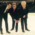 Le trio le plus cher de lhistoire du sport professionnel: 400 millions de dollars pour 3 plombiers. #polqc http://t.co/b8d7jJ8M2N