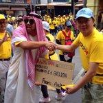 😂😂 RT @twt_gagalis: Spotted pak arab bagi derma RM2.6b http://t.co/qjc1FewF3T