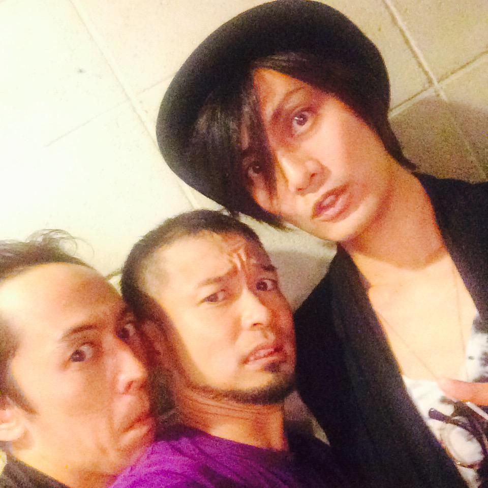 梅棒の昼公演に加藤和樹さんが観に来てくださいました!!うおー http://t.co/dN7Cbwz6pK