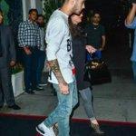 Zayn saindo para jantar com sua mãe em Los Angeles. (28.08.2015) #3 #MPN #ONEDIRECTION http://t.co/OTwCohBc2G