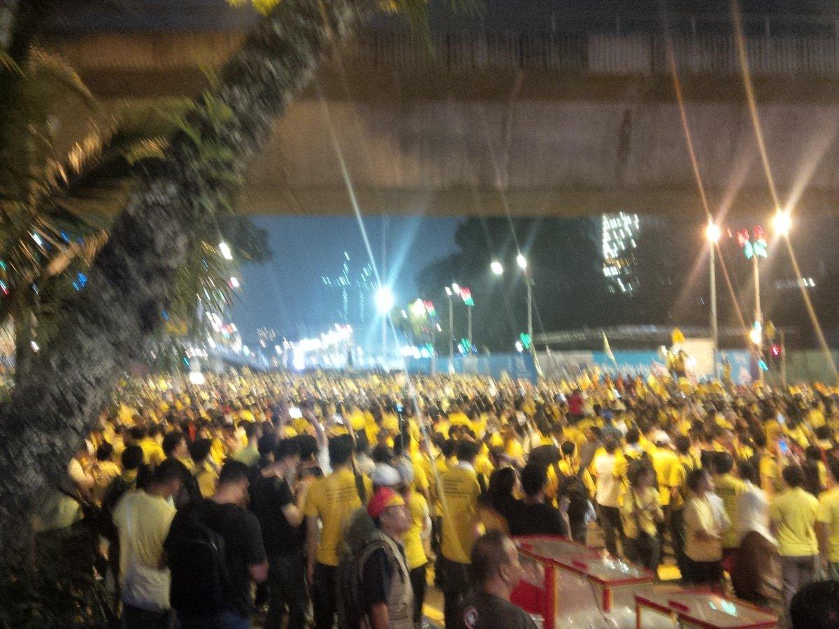 We're still here! #bersih4 http://t.co/UezUY8Inim