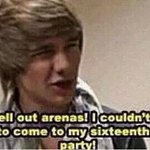 """""""I cant sell out arenas I couldnt even get people to come to my 16th birthday"""" LOOK AT HIM NOW #HappyBirthdayLiam http://t.co/ENI0alrgUX"""