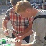 [#Transfert] Kevin De Bruyne a quitté Wolfsburg ce matin pour rejoindre ManCity. Transfert autour de 80M€. http://t.co/UIAZQX7TtW