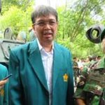 PAKARMARU Unsyiah, Rektor: Kita Ingin Membangun Kecintaan Terhadap Negara http://t.co/ZzF5DZUWVc @Warta_Unsyiah http://t.co/3IAT8wFAuO