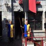 Lekker middeleeuws kluiven met een speciaalbier naar keuze voor € 9,50 @uitetennijmegen @GvLimburg http://t.co/G4kOKImEnn
