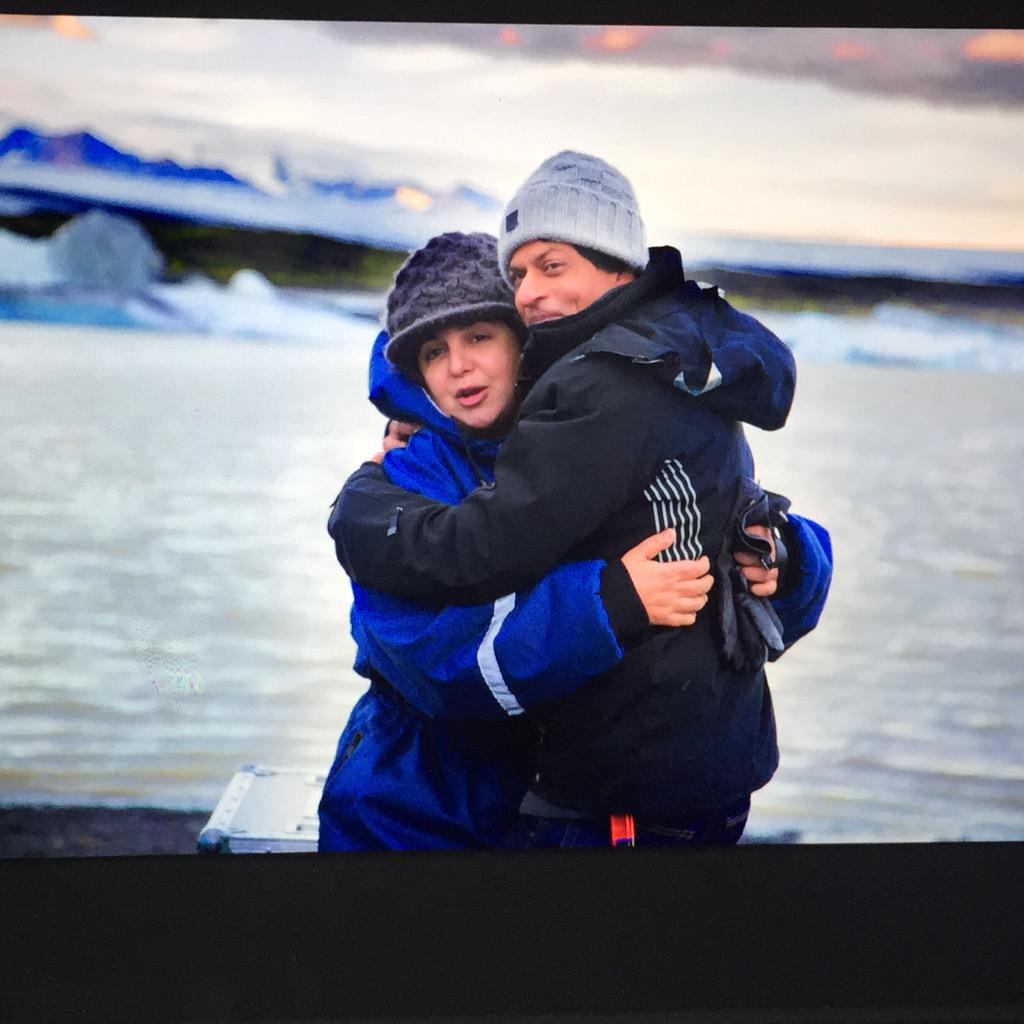 Best way to beat the Icelandic cold! Warmest hug from my hottest friend @iamsrk http://t.co/r79GjwRfWo