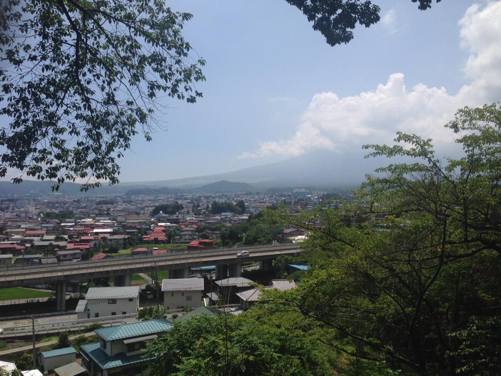 http://twitter.com/dokonjyo_gaeru/status/637589585074106368/photo/1