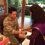 A thread which reminds each brother how blessed he is!! Happy Raksha Bandhan! http://t.co/WwROtNxZQ5