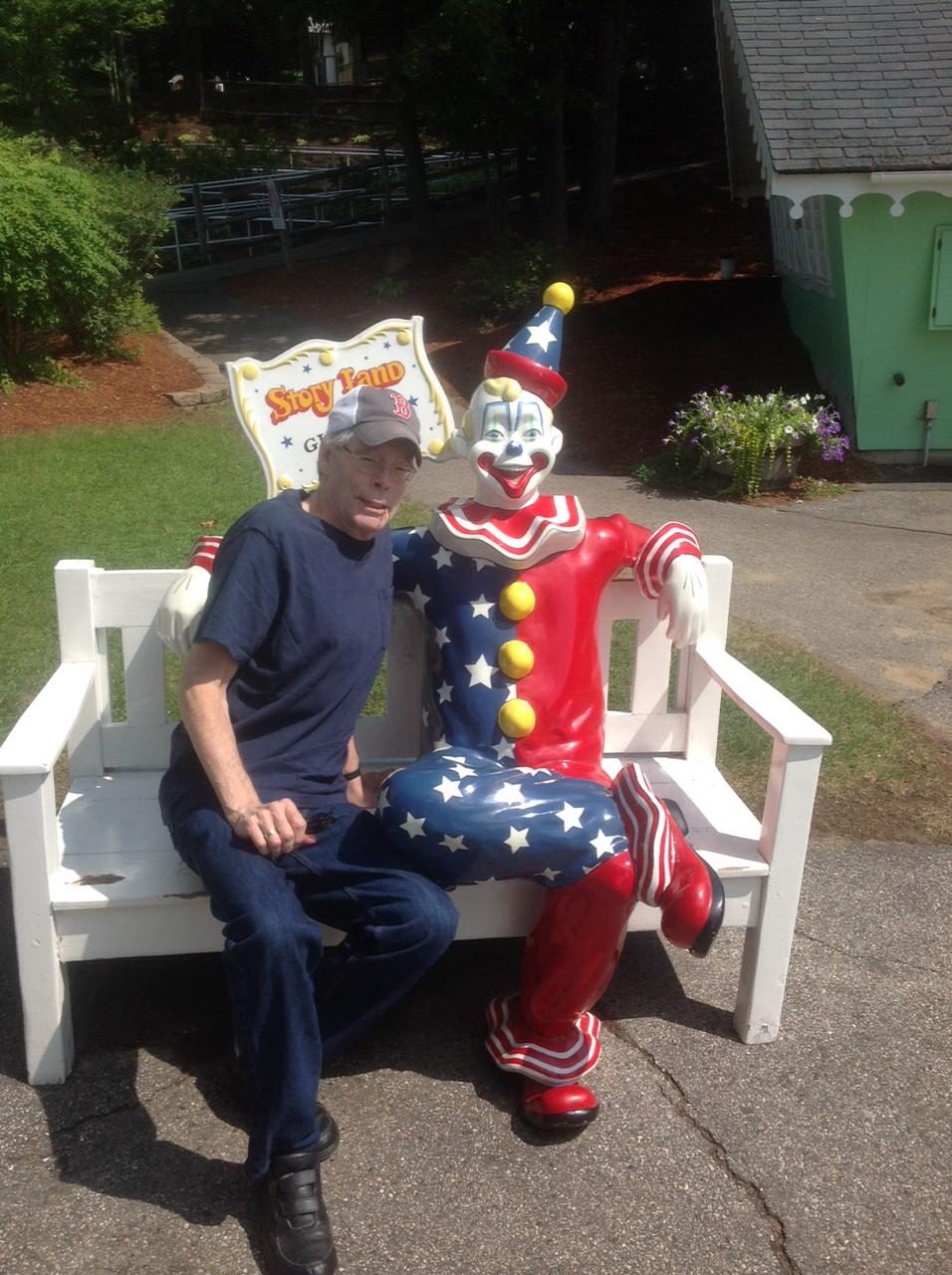 Just visiting with a friend from Derry, Maine. http://t.co/VIiyqCXDkK
