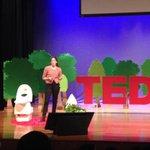 Inodoro seco: no utiliza agua, divide los residuos y los convierte en abono. #TEDxTukuyInnovaEC @elcomercio http://t.co/YhIeZg1vgB