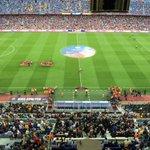 Ladies and gentlemen! Just over five minutes until kick off! #FCBLive #FCBMalaga #LaLiga http://t.co/A6TIF18Vdn