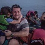 #غرق_200_مسلم_سوري_في_البحر لأننا غرقنا في نسيانهم، هم غرقوا في الماء ونحن غرقنا في الغفلة والجفاء. http://t.co/chdgGIFFN4
