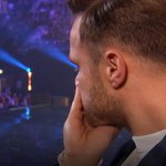 Ohh…this must be tough for @OllyOfficial to watch. ???? #XFactor http://t.co/y0hSaNVkpA