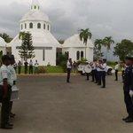 Realizan honores militares a miembro @FuerzaAereaRD adscrito a la @AMETRD muerto por pres delincuente! @CDN37 http://t.co/Vsu7K0jmPP