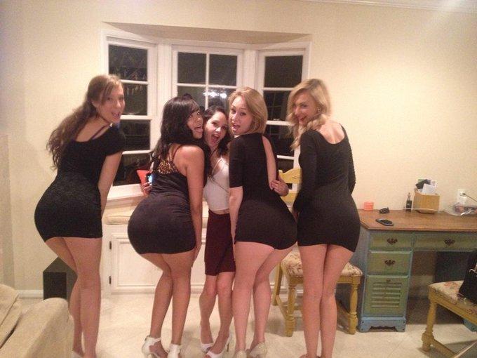 Had a spectacular vip night with all my bitches ??❤️ @TheMollyManson @CassidyBanksXO @AlexaGraceXXX @CadeyMercuryXXX