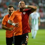 Futbolu bırakana kadar Galatasarayd. http://t.co/zzr9EZdBNw