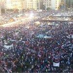 بعض من حشود تظاهرة #طلعت_ريحتكم في #ساحة_الشهداء #وسط_بيروت #لبنان بعدسة الزميل المصور سمير العقدة @ALJADEEDNEWS http://t.co/8p655ZfXHc