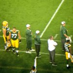 Randall Cobb (shoulder) is back on the #Packers sideline. Standing next to Aaron Rodgers. http://t.co/3Hp4WJ2gYw